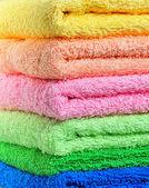 Wieża z kolorowe ręczniki — Zdjęcie stockowe