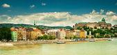 Pěkné domy v městě budapešť — Stock fotografie