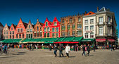 Medieval style shops and restaurants around the market place — Foto de Stock