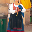 Spanish people in Oviedo in their traditional Asturian clothing — Stock Photo