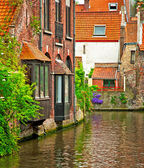 Nice canal with houses — Photo