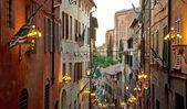 úzká ulice na starém městě — Stock fotografie