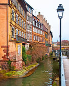 Nice canal with houses in Strasbourg, France. — Stok fotoğraf