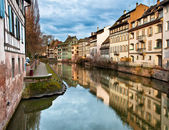 Canal with houses — Stock Photo