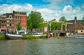 阿姆斯特丹的运河 — 图库照片