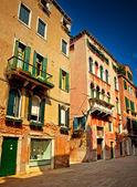 Belas casas antigas em veneza — Fotografia Stock