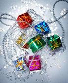 Kolorowe i zdobione pudełka świeci — Zdjęcie stockowe