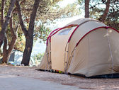 Camping tent at sea beach summer vacation — Stock Photo
