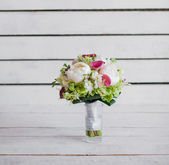 Wedding bouquet of peonies — Stock Photo