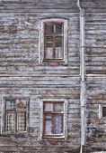 Run down wooden Riga house — Stock Photo