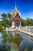Hua Hin temple pond — Stock Photo