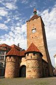 ニュルンベルクで白いタワー — ストック写真