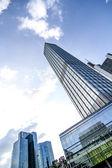 Skyscraper under a blue sky — Stock Photo