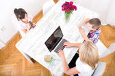 Mom working at home — Stock Photo