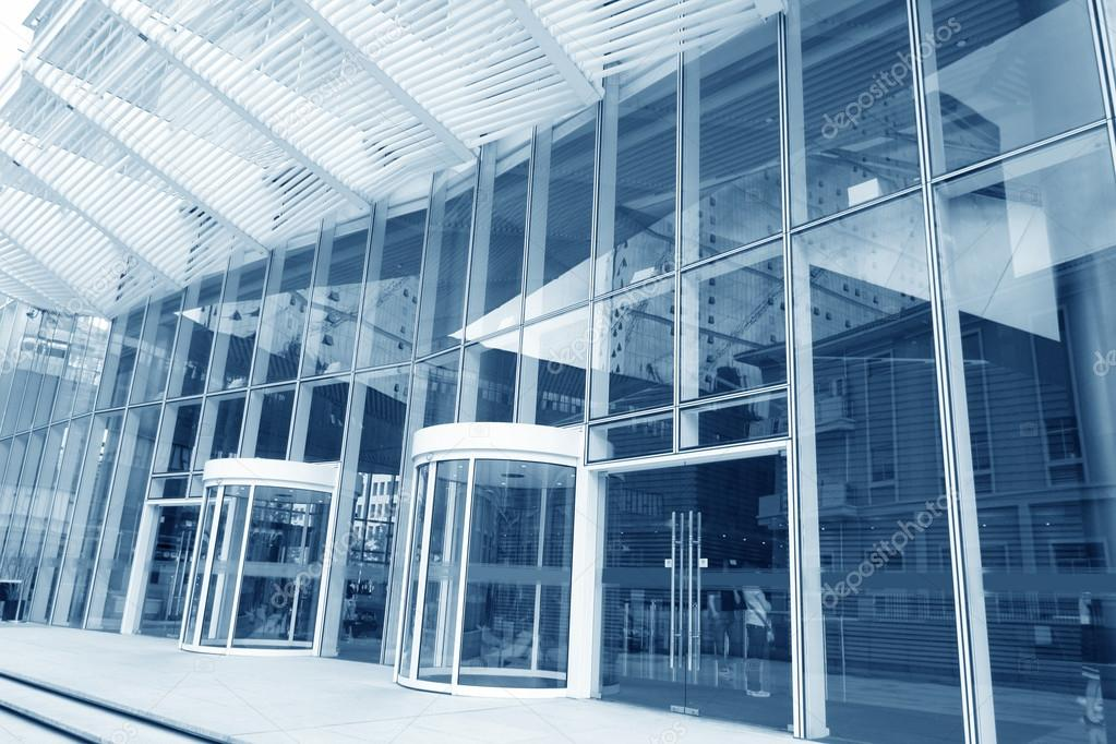 The main entrance of a modern office building — Stock Photo #13268768