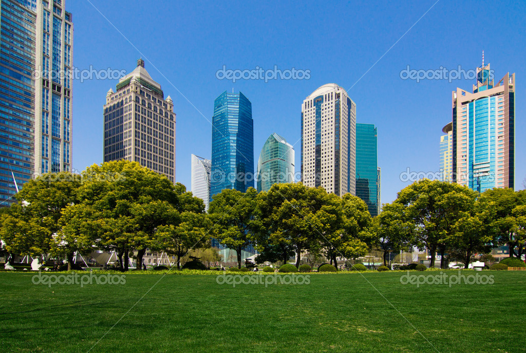 China Shanghai Pudong urban green space — Stock Photo #14665473