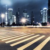 Sentiers de lumière sur shanghai — Photo