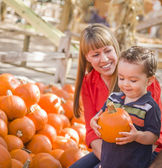 Happy Mixed Race Family at the Pumpkin Patch — Stok fotoğraf