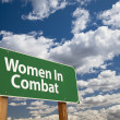 Women In Combat Green Road Sign — Stock Photo