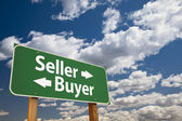 Seller, Buyer Green Road Sign Over Clouds — Stock Photo