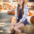 Preteen Girl Portrait at the Pumpkin Patch — Stok fotoğraf