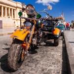Постер, плакат: Vintage Harley Davidson in Havana