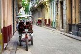 Cena de rua em havana velha — Fotografia Stock