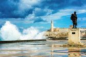 El castillo de el morro en la habana vieja en una tormenta — Foto de Stock