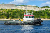 Tugboat in the bay of Havana — Stock Photo