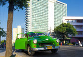 Old car in the neighborhood of El Vedado in Havana — Stock Photo