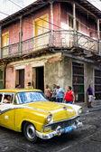Old Buick in Santiago de Cuba — Stock Photo