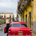 Antique Chevrolet in Old Havana — Stock Photo #20782679