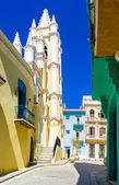 Colorful street in Old Havana with the Church of the Angel — Stock Photo