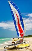 Catamaran on the beach of Varadero in Cuba — Stock Photo