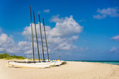 Sailing boats on Varadero beach in Cuba — ストック写真