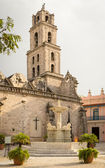 San Francisco Church and Square in Old Havana — Stock Photo