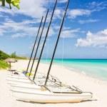 Sailing boats in Varadero Beach, Cuba — Stock Photo