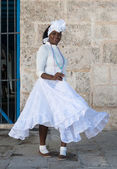 Afro woman dressed with typical clothes in Havana — Stock Photo