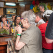 Tourists visiting La Bodeguita del Medio in Havana — Stock Photo