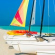 Colorful sailing boats on a tropical cuban beach — Stock Photo