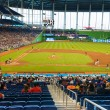 tifosi a guardare una partita di baseball allo stadio miami marlins — Foto Stock #47331923