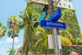Street sign at Lincoln Road in Miami Beach — Stock Photo