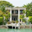 Luxurious mansion on Star Island in Miami — Stock Photo
