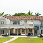 Luxurious mansion on Star Island in Miami — Stock Photo #48263747