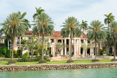 Luxurious mansion on Star Island in Miami — Стоковое фото