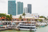 The Bayside Marketplace in downtown Miami — Stock Photo