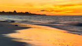 Colorful sunset at a beautiful beach in Cuba — Stock Photo