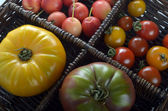 Tomatoes and crab apples — Stock Photo