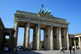 BERLIN - SEPTEMBER 18: The Brandenburg Gate on September 18, 2006 in Berlin, Germany. The Brandenburg Gate is a former city gate and one of the most well-known landmarks of Berlin and Germany. — Stock Photo