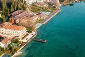 Vue aérienne de sirmione, lac de garde, italie. — Photo